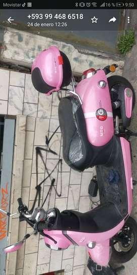 Moto eléctrica semi nueva