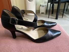 Zapatos negros para trabajo