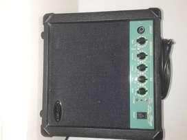 Amplificador STAGG 10 Watts