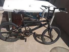 Vendo bici usada anda bien en Castelar a 10000