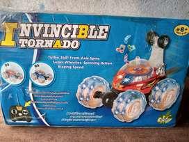 Se vende carro loco invisible tornado con luces y musical o
