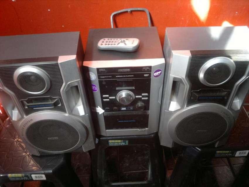 EQUIPO AUDIO PHILLIPS MOD FWM 185 , CONTROL MP3 USB, LIQUIDO 0