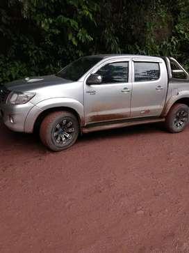 Se vende Toyota Hilux SRV año 2012