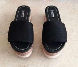 Sandalias Plataformas NUEVAS color negro