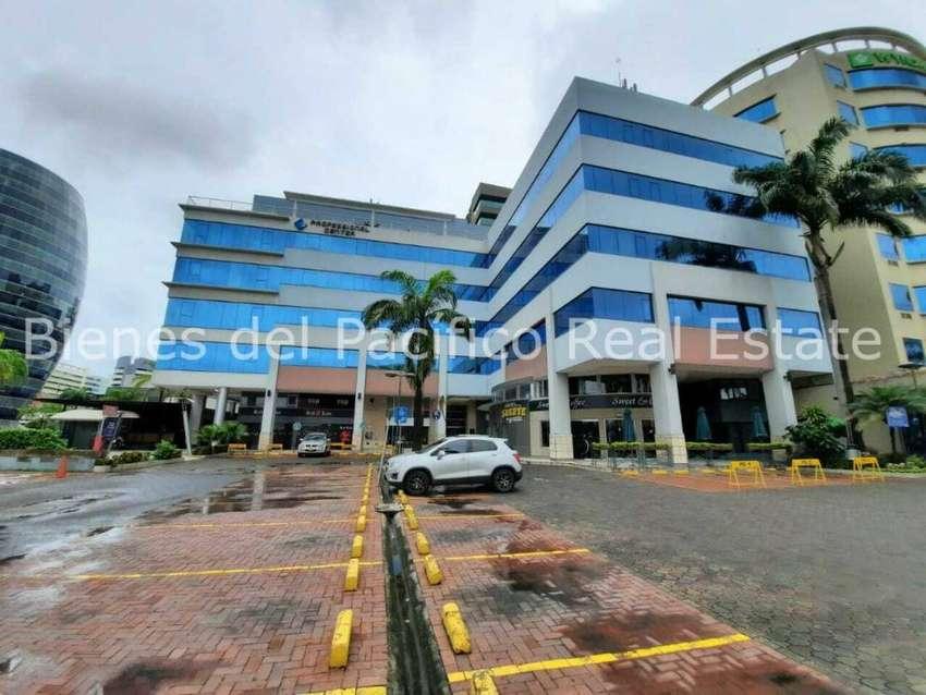 VENTA Oficina 235 m² Edificio Professional Center Zona Mall del Sol, Guayaquil 0