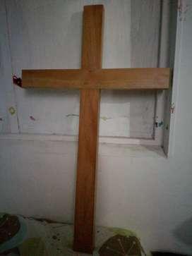 Cruz hecha en madera
