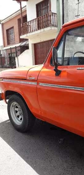 Vendo camioneta Ford F100 Modelo 77, $160.000,  precio negociable
