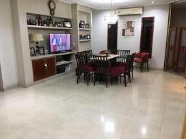 Dueño vende hermosa casa construccion premium en Calle La Rioja 310!