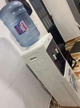 Dispensador de agua h neverita