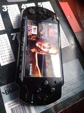 Se vende consola de juegos PSP SONY portatil