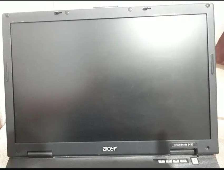 Display portatil travelmate 2420 LCD TFT 14.1