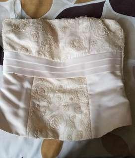 Vendo vestido de novia de diseñadora y mas vestidos de fiesta