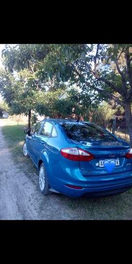 Fiesta kinetic SE plus, levanta cristales a distancia,alarma,4 cubiertas nuevas, Techo corredizo,aire,ABS, Airbag, etc