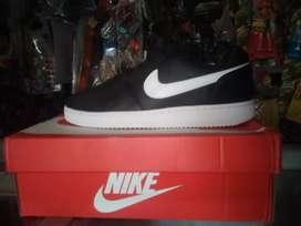 Oferta en zapatillas originales a 200 talla 40