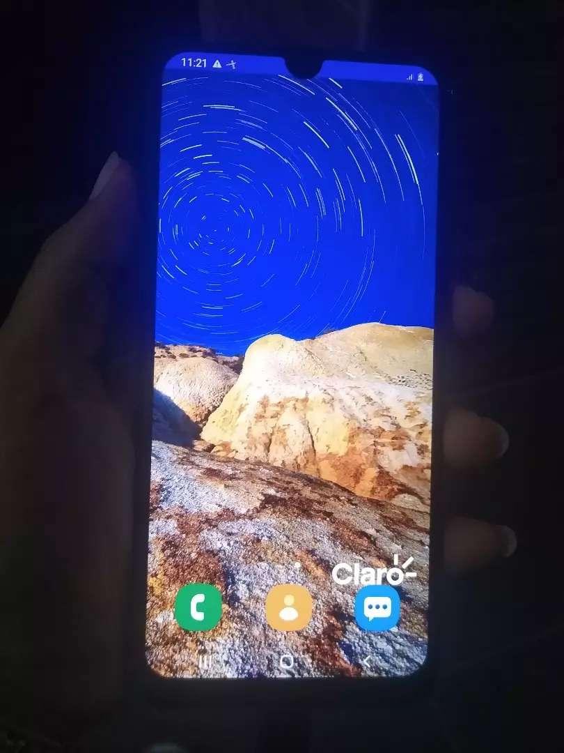Vendo o cambio hermoso Samsung A30 0