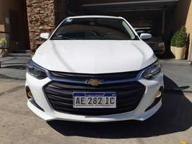 Chevrolet onix lt con WiFi, full, año 2020, 5 ptas, nafta 1.2, km 9500, color blanco.
