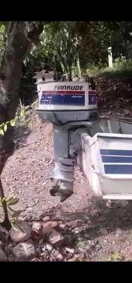 Vendo lancha pequeña  con motor y trailer