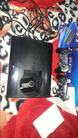 Vendiendo un playstation 3 es Marca sony esta casi nuevo