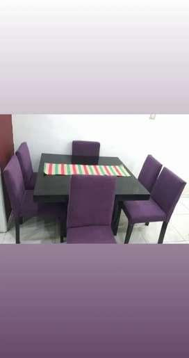 Mesa cuadrada de 1,10 + 6 sillas