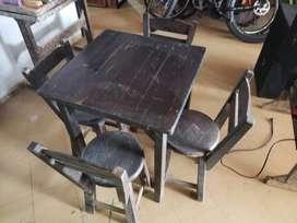 mesa de madera para bar
