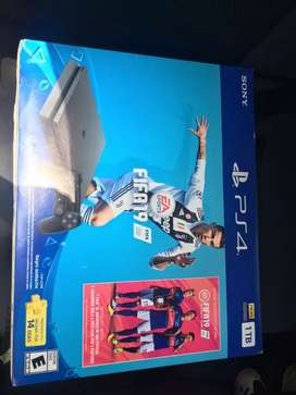 URGENTE LIQUIDO SONY PS4 DE 1 TB COMO NUEVA EN CAJA!!