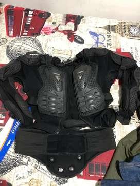 Vendo Body Armor con riñonera Fox + pantalon Fox