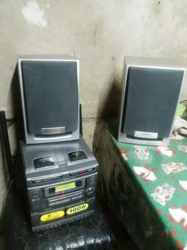 Aiwa con Bluetooth y parlantes