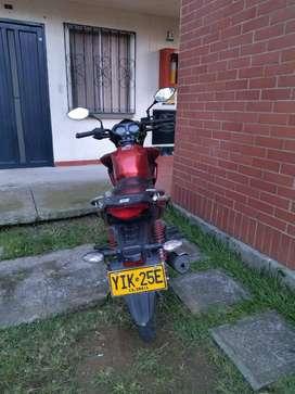Vendo moto como nueva poco uso cb125f año 2019 color roja