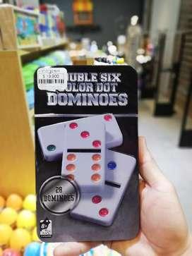 Domino con estuche metálico
