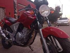 Yamaha 250 con titulo cedula y 08 lista ah tranferir digna de ver recivo moto honda oh yamaha
