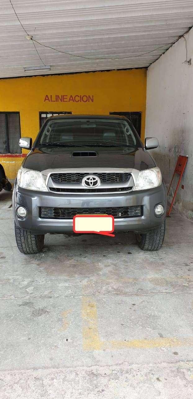 Toyota hilux 2011 0