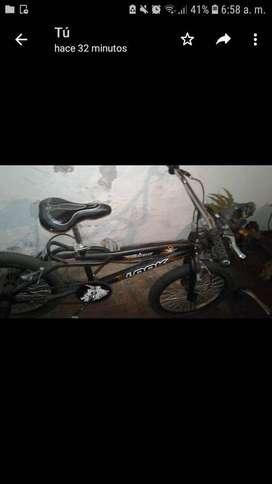 Bicicleta Bmx negra arenada seminueva (precio charlable)