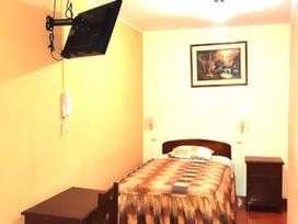 Alquilo habitacion para persona sola con baño privado agua caliente wi fi en zona cerca a centro bancario