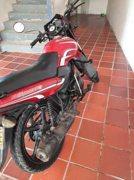 Se vende  moto tvs sport  100