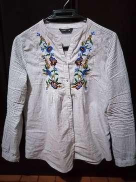 Hermosa blusa de KOAJ