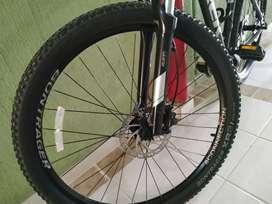 Bicicleta MTB Trek Marlin 6
