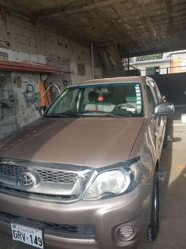Toyota Hilux año 2010 en excelentes condiciones