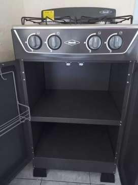 Se vende estufa 4 puestos con alacena