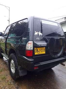 Vendo o permuto por vehiculo hermosa toyota prado modelo 2009 full equipo papeles al dia 4x4