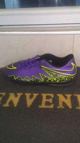 Se venden Guayos Nike Electro Flare II un solo uso.