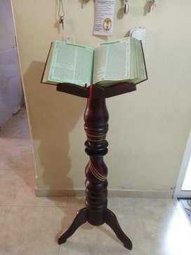 Atril para Biblia , Tallado en Madera