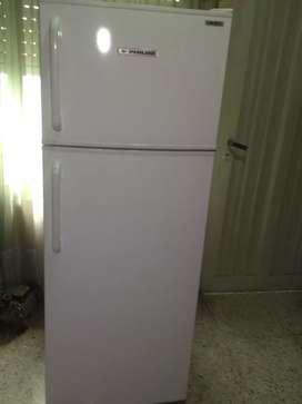 Heladera con freezer Philco,usada impecable