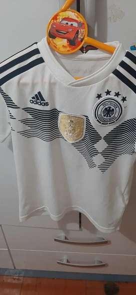 Remato Polo Blanco .Marca Adidas.