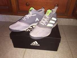 Vendo tenis-guayos Adidas Originales