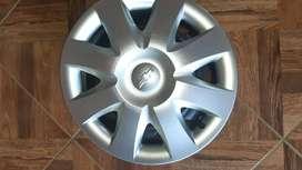 Se vende los 4 rines nuevos número 14 originales de Chevrolet Sail
