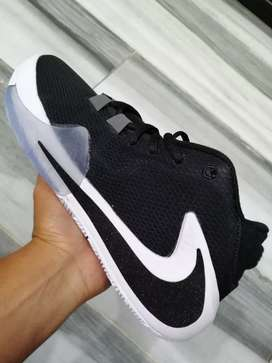 Tenis en bota Nike caballero