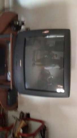 TELEVISOR SHARP DE 28 PULGADAS