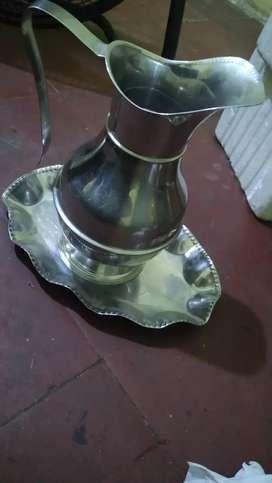 Vendo hermosa jarra multiusos en acero inoxidable