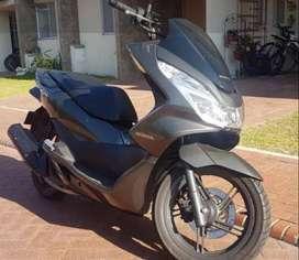 se vende moto Honda PCX 150, modelo 2018, $8.700.000 negociable