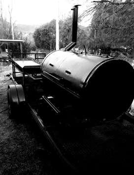 Carro ahumador de carnes en caliente ( a leña) Foodtruck